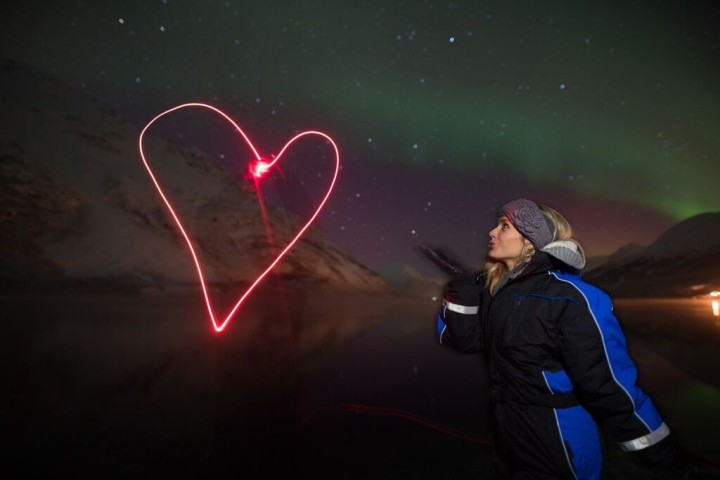 mylifesamovie-alyssa-ramos-northern-lights-lightpainting-1024x684